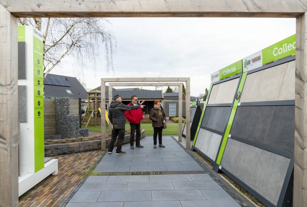 Showtuin Tuin & Terras Ysselsteyn! Uw leverancier in Limburg, in de buurt van Venray, Nijmegen, Helmond, Roermond, Sittard en Eindhoven.