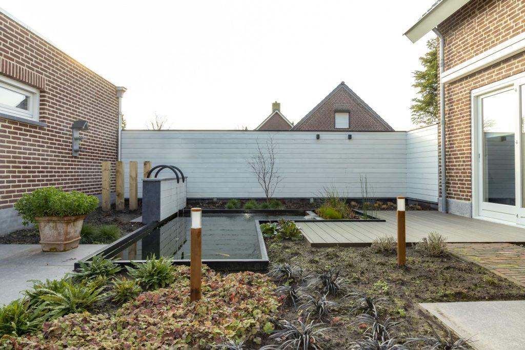 Showtuin Tuin Terras Ysselsteyn Limburg Venray Venlo Horst Boxmeer Vlierden Asten Castenray Ommel Deurne sierbestrating hekken omheiningen keramiek douglas betontegels schutting