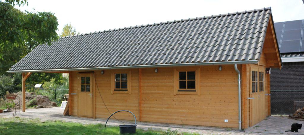 Maatwerk houtbouw garage tuinhuis overkapping carpoort