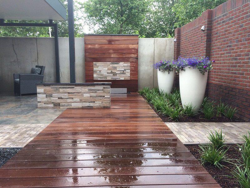 moderne tuin hout schutting tuinontwerp Ysselsteyn Sfeerimpressie
