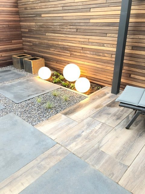 keramische tegel hout look tuin Ysselsteyn Sfeerimpressie verlichting sfeertuin sierbestrating