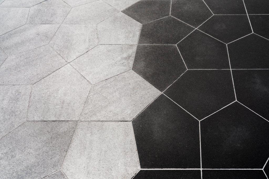 Dronten, Biddinghuizen, Swifterband, Lelystad keremische tegels tuintegels terrastegels geoceramica tuinhuizen overkapping vlonder buitenverlichting showtuin tuinmaterialen trends sfeer inspiratie kapschuren kunstgras schutting sfeerimpressie tuinontwerp bestrating tegels tuinhout sfeertuinen gerealiseerde projecten